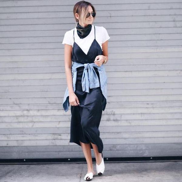 look-danielle-bernstein-vestido-slip-com-t-shirt
